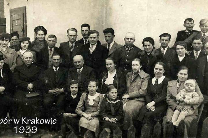 Historia-KWCh-komplet-zdjęć-27_Easy-Resize.com_