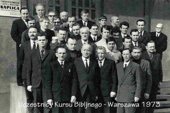 Historia-KWCh-komplet-zdjęć-75_Easy-Resize.com_